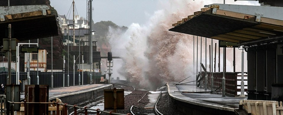 dawlish-rail-disaster-calls-for-peplink-960x390