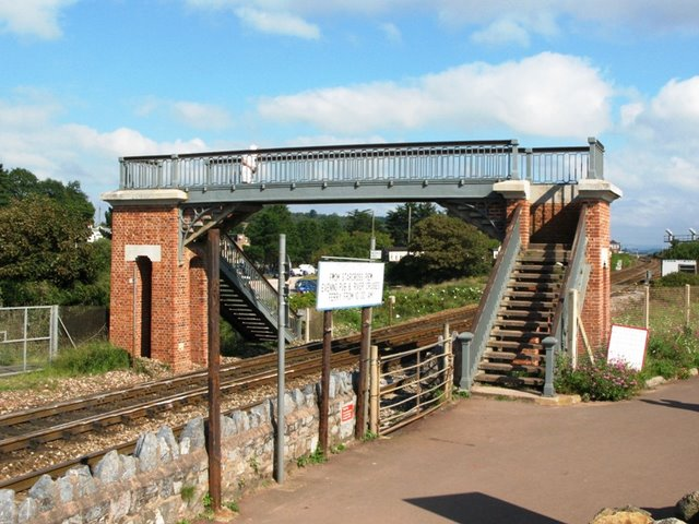 Dawlish_Warren_footbridge-1