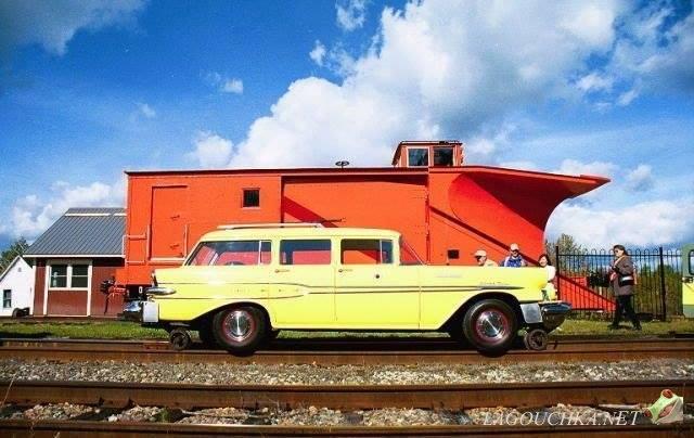 1958 Pontiac Bonneville Woodie Wagon