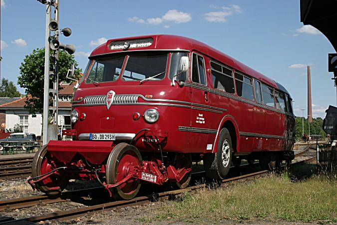 der-einzige-betriebsfaehig-strassen-schienenbus-eisenbahnmuseum-11788