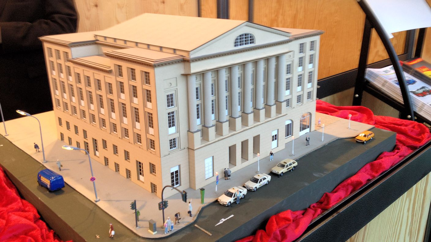 Stadt im Modell - Thalia Theater in H0