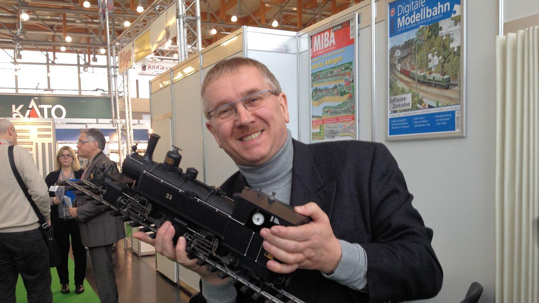 Martin Knaden - VGB Chefredakteur der Zeitschrift MIBA mit der Regner-Neuheit