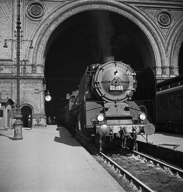 Fotothek-Dresden-Eschen-Anhalter-Bahnhof-03-155-1-e1261511045714