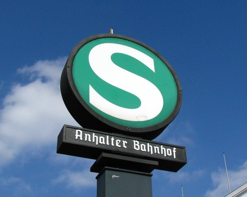 berlin-anhalter-bahnhof-iiunweit-des-277631