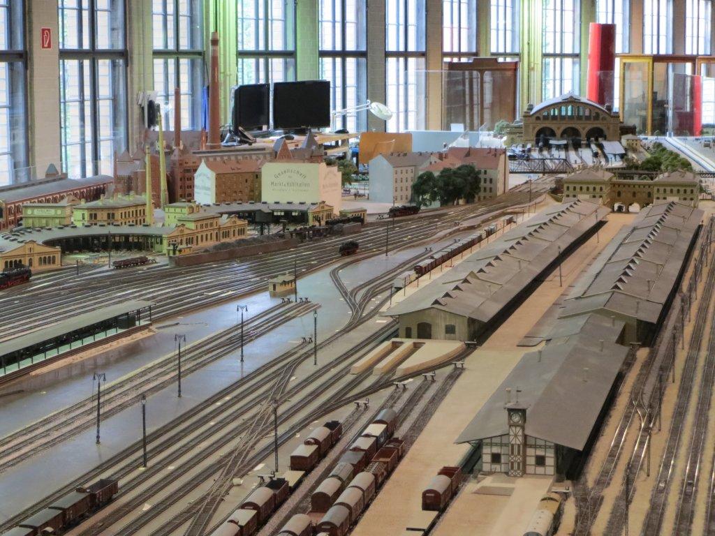 im-aufbau-befindliche-modellbahn-anhalter-668901