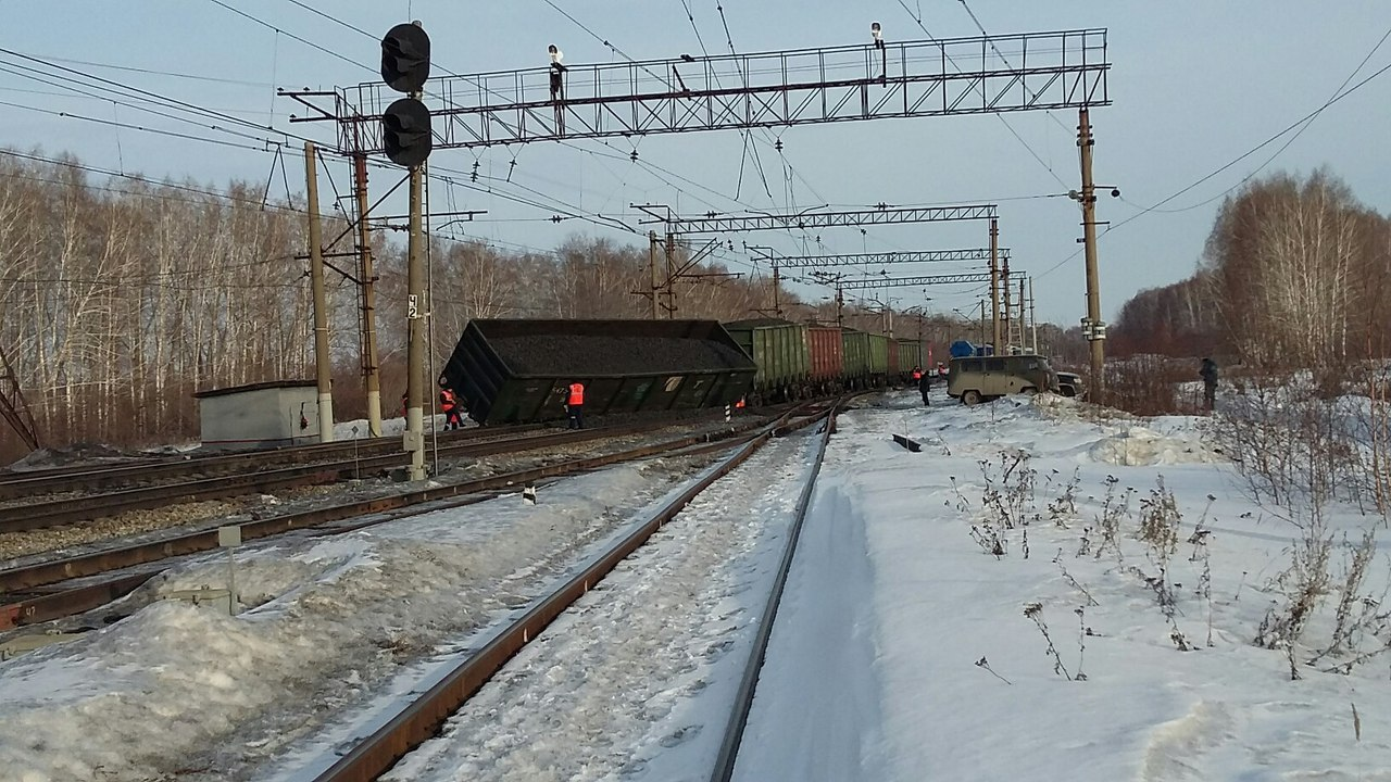 падение бентли на железную дорогу