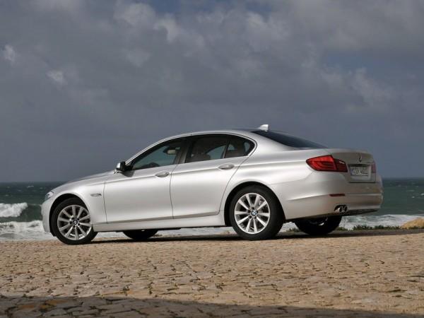 BMW-5-Series-Sedan-530d-2010-foto16