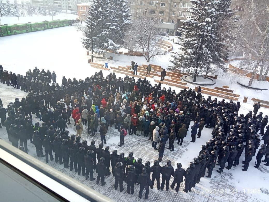 Доброе утро ! навальный и подростки.