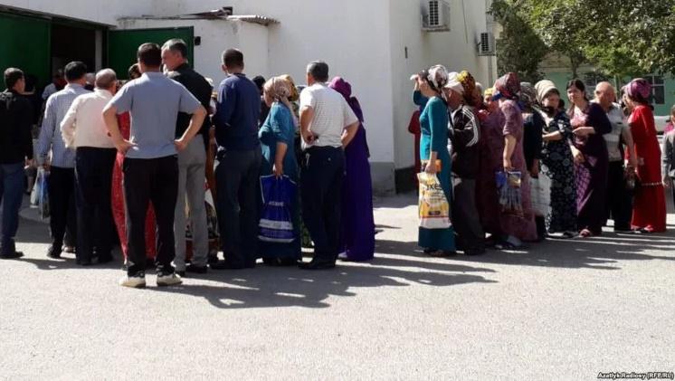 Почему Туркменистан начинает голодать? — обзор СМИ