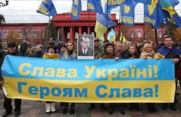 Почему лозунг «Слава Украине!» опасен для стран-соседей