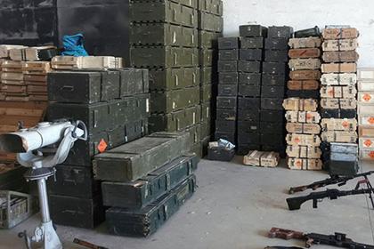 У сирийских террористов нашли оружие из США и снедь из Израиля