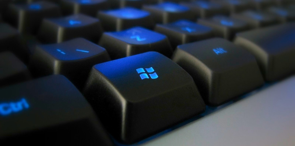 Для чего на клавиатуре нужна клавиша Win?