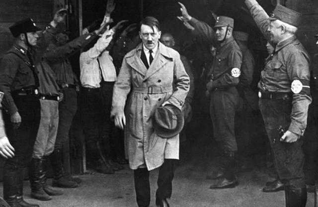 Доклад о сексуальной ориентации Гитлера рассекречен ЦРУ