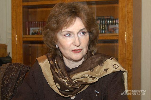 Наталия Нарочницкая: «Почему нельзя снова всё отнять и поделить?»
