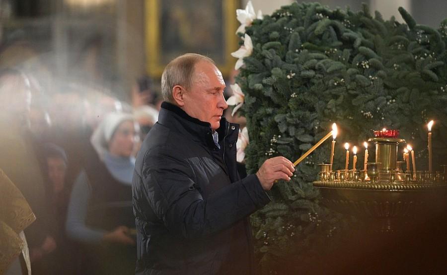 Владимир Путин поздравил православных с Рождеством