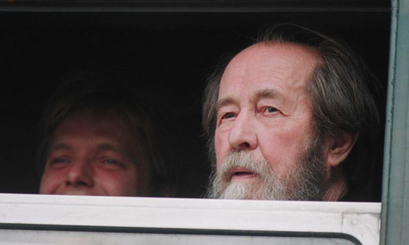 В Китае распространение и хранение книг Солженицына стало уголовным преступлением 11780801_900