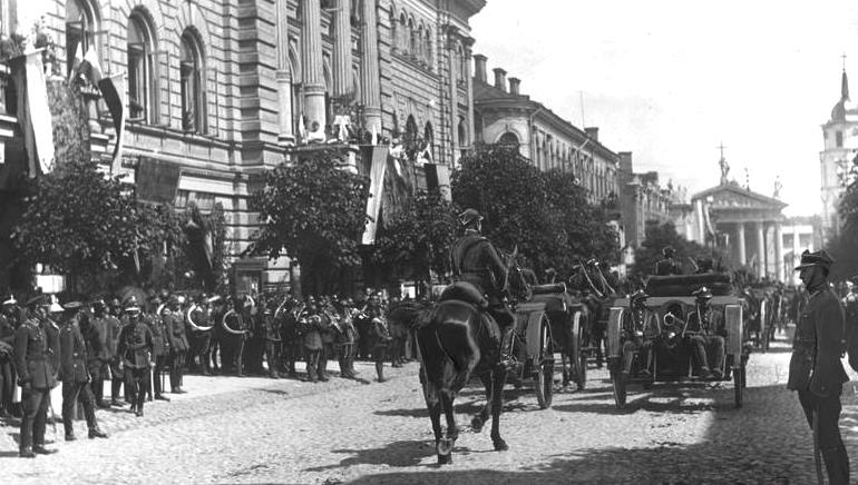 Однажды поляки взяли и отобрали у литовцев город Вильнюс