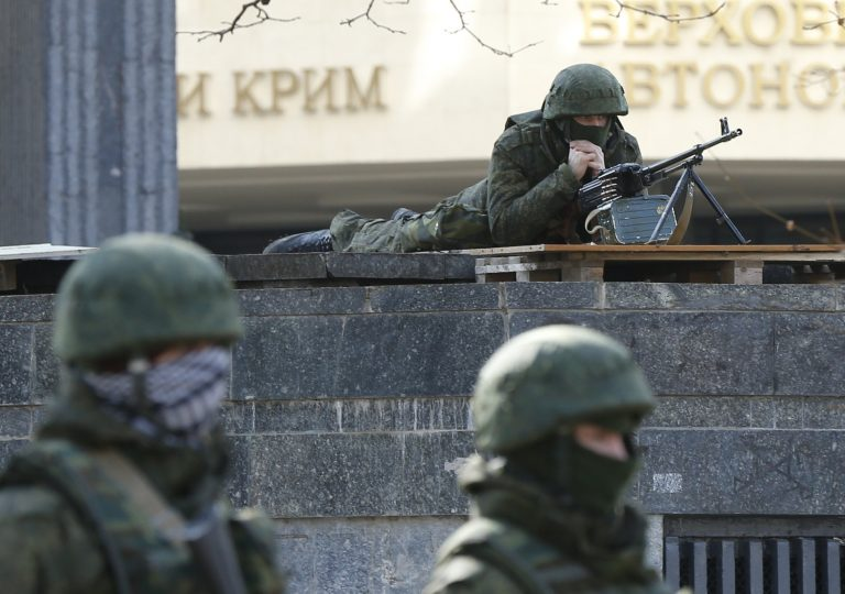 Меджлисовец: Парламент и Совмин Крыма должны были быть взорваны с русским спецназом