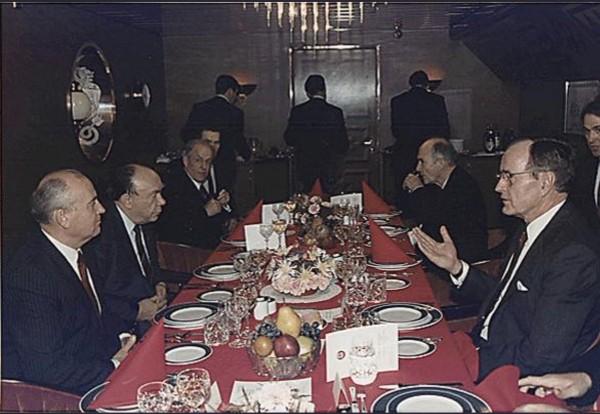 Как Горбачёв сдал советскую цивилизацию