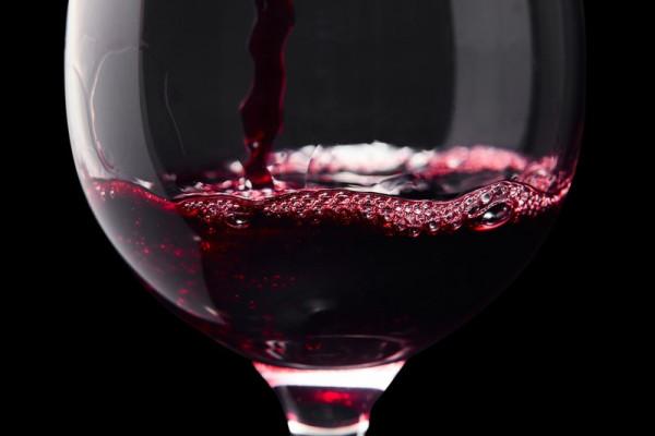Только самое лучшее! Вот как с легкостью распознать поддельное вино