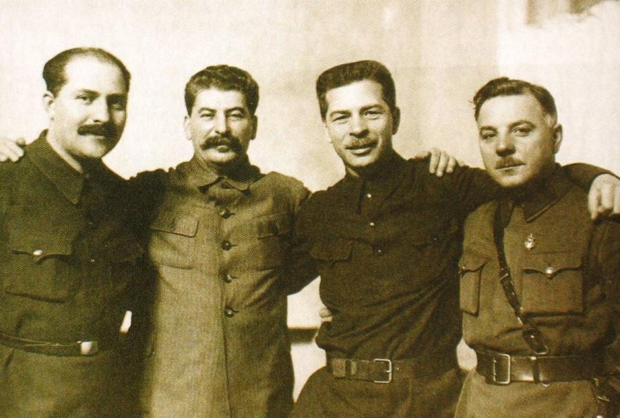 «Кровавый Сталин»: репрессии в Красной армии и маршалы-обличители