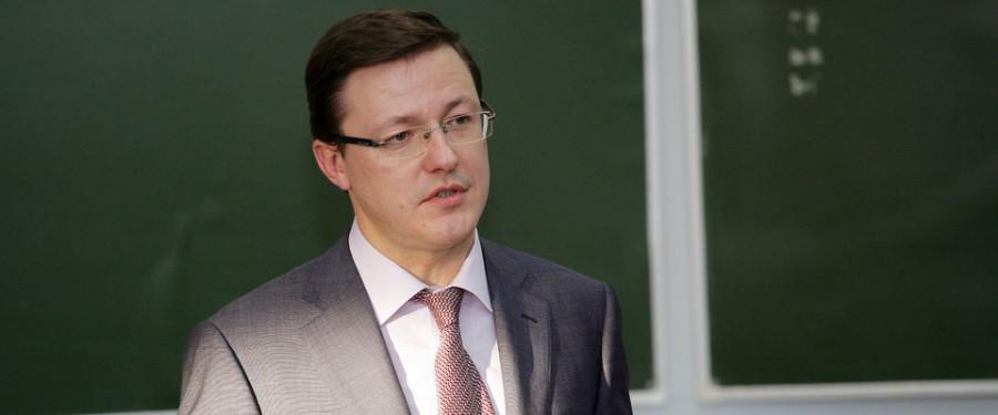 Дмитрий Азаров. Социально-ориентированный политик