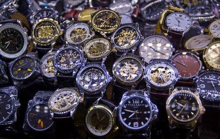 Как Швейцария продавала свои часы с нашими механизмами