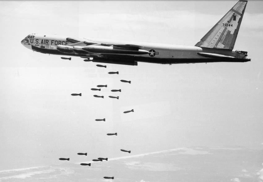 «Раскаты грома»: 55 лет назад США начали массированные бомбардировки Вьетнама
