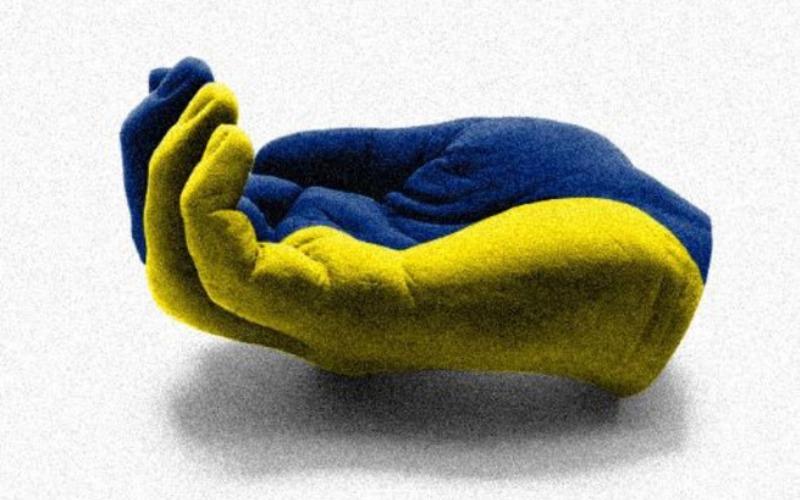 Украина бродит по Западу с протянутой рукой, в которую все плюют – эксперт