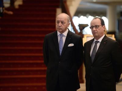 Франция взята в заложники