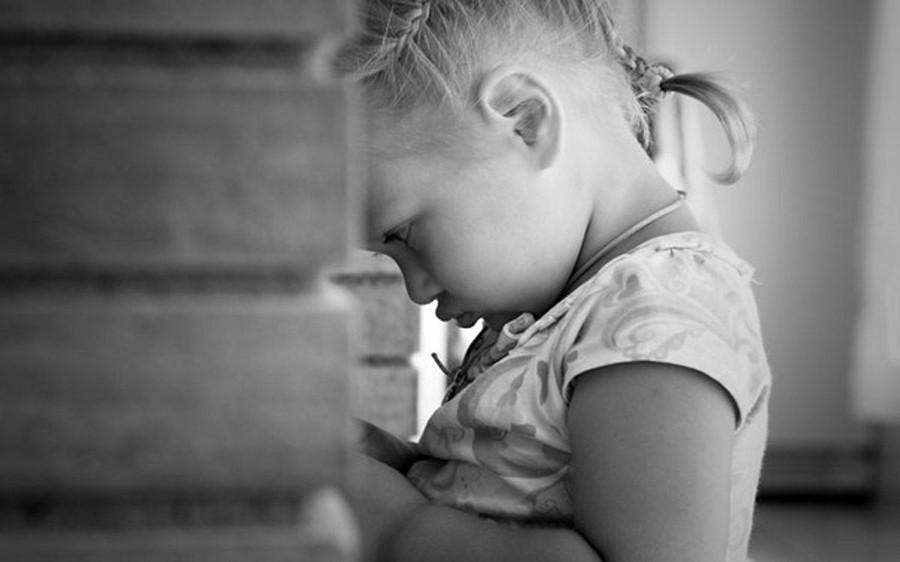 Строптивая детка ерзает и не может угомониться  47759