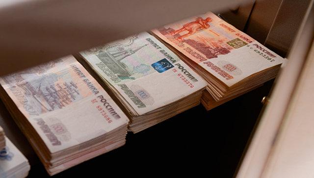 """Эксперты называют рубль """"супердоходной валютой"""""""