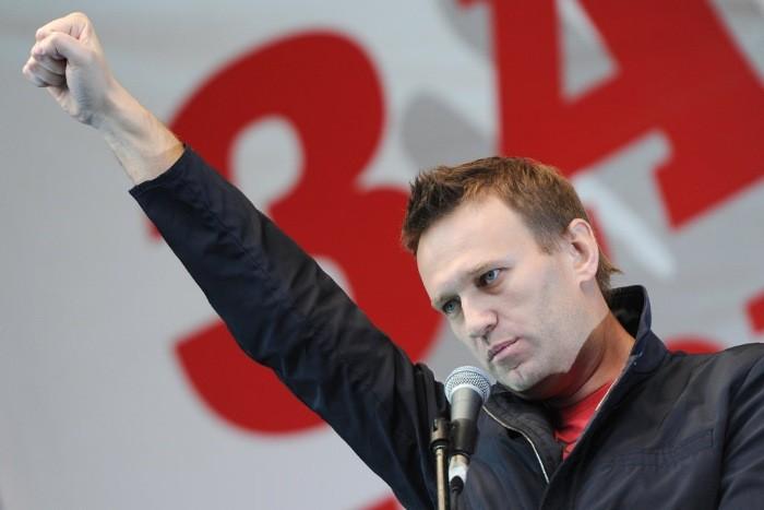 По трупам школьников до Кремля: Навальный готовит сакральную жертву