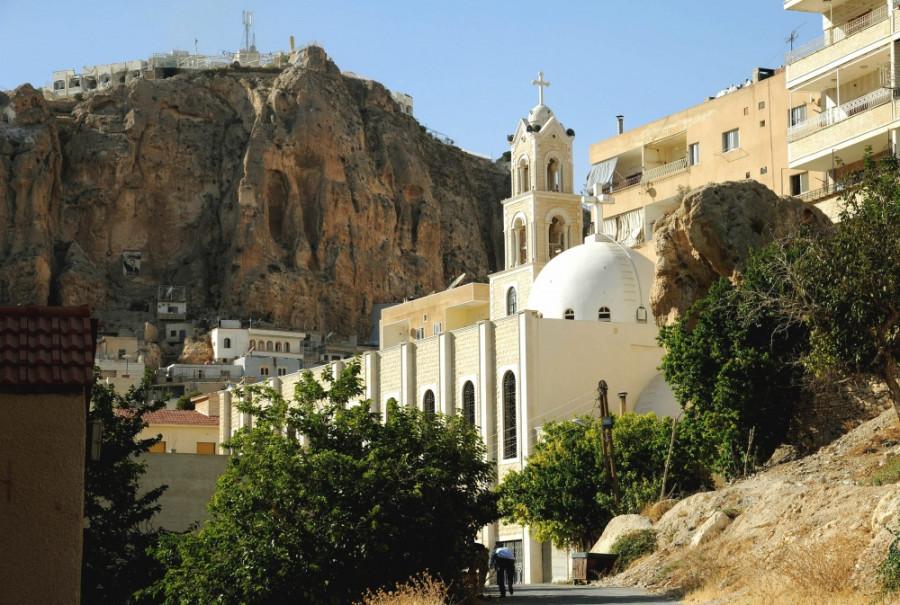 Маалюля. Вид на христианский храм.
