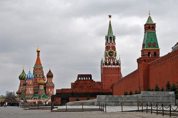 Говорят про Ленина — а целят в Россию