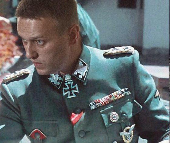 Националисты и экстремисты: кого Навальный принял на работу
