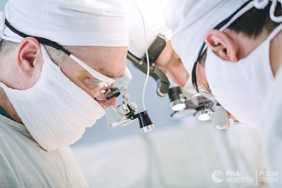 Хирурги объявили об успешной пересадке человеческой головы