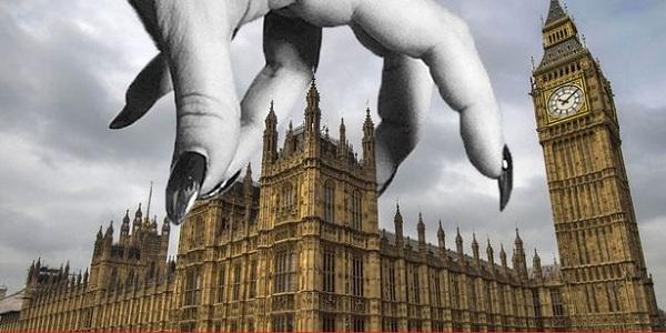 Банкиры Англии контролируют финансы, экономику и ВПК США