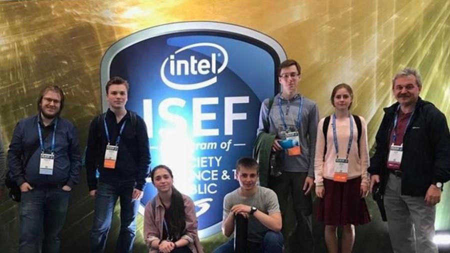 Российские школьники взяли девять наград на конкурсе научных проектов в США