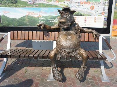 skulptura-volk-sportsmen-krasnoyarsk