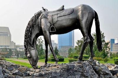 pamyatnik-loshad-belaya-krasnoyarsk