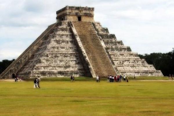Mexico-Chichén-Itzá(flickr.com-blmiers2)