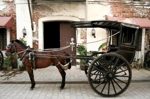 Конь педальный пошёл по-борозде