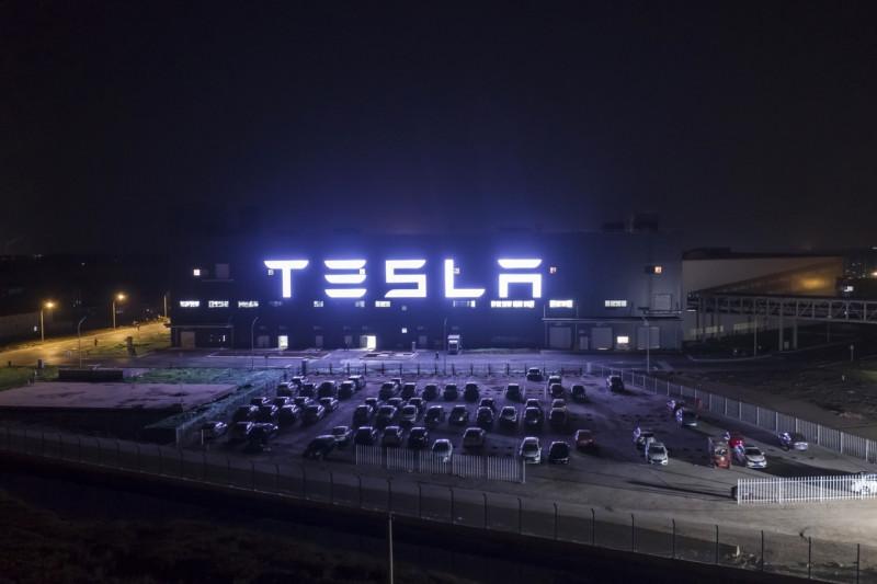 """Tesla или """"Оно вам надо?"""""""