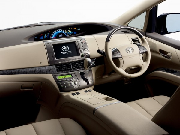 Toyota_Estima Hybrid