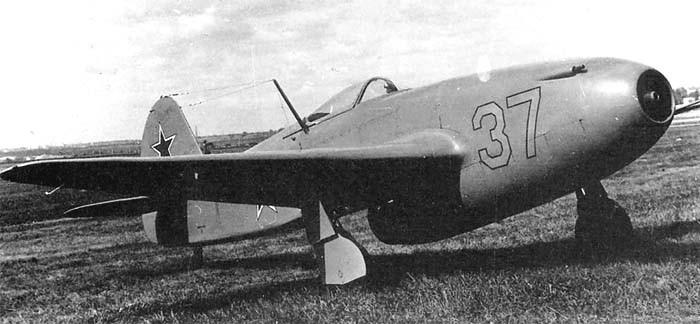 Четверг. Весёлая авиация yak15-8