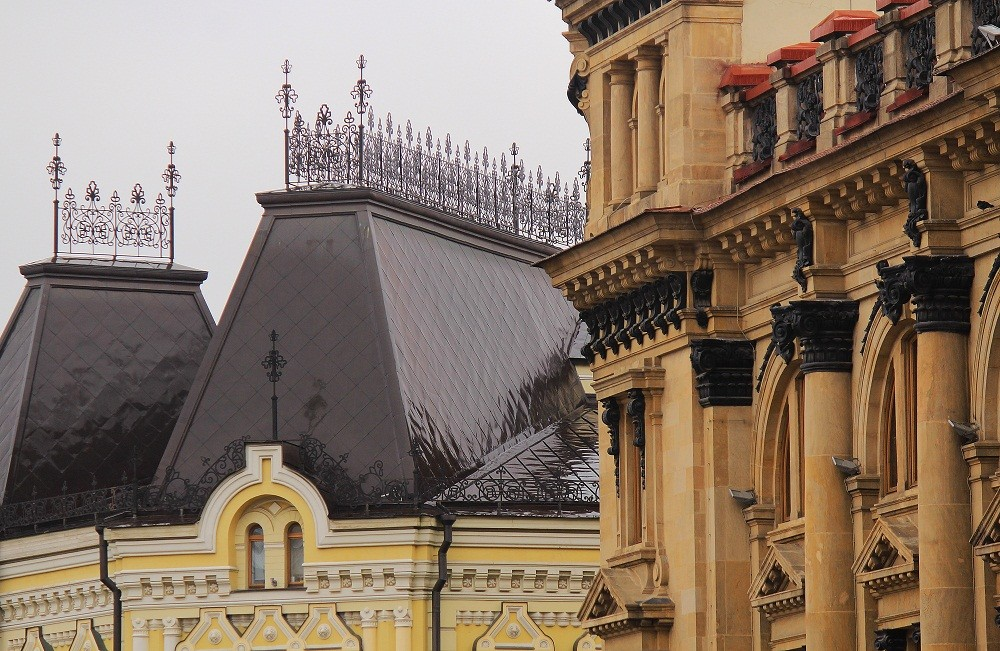 Moscow details. Kuznetsky Most