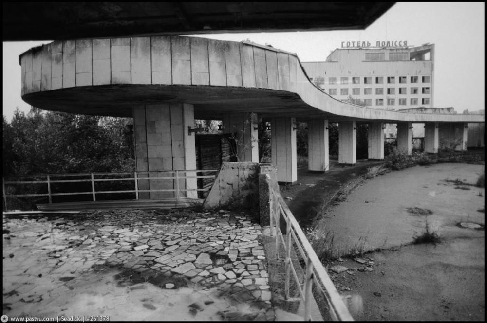 28_kolonnada_1997