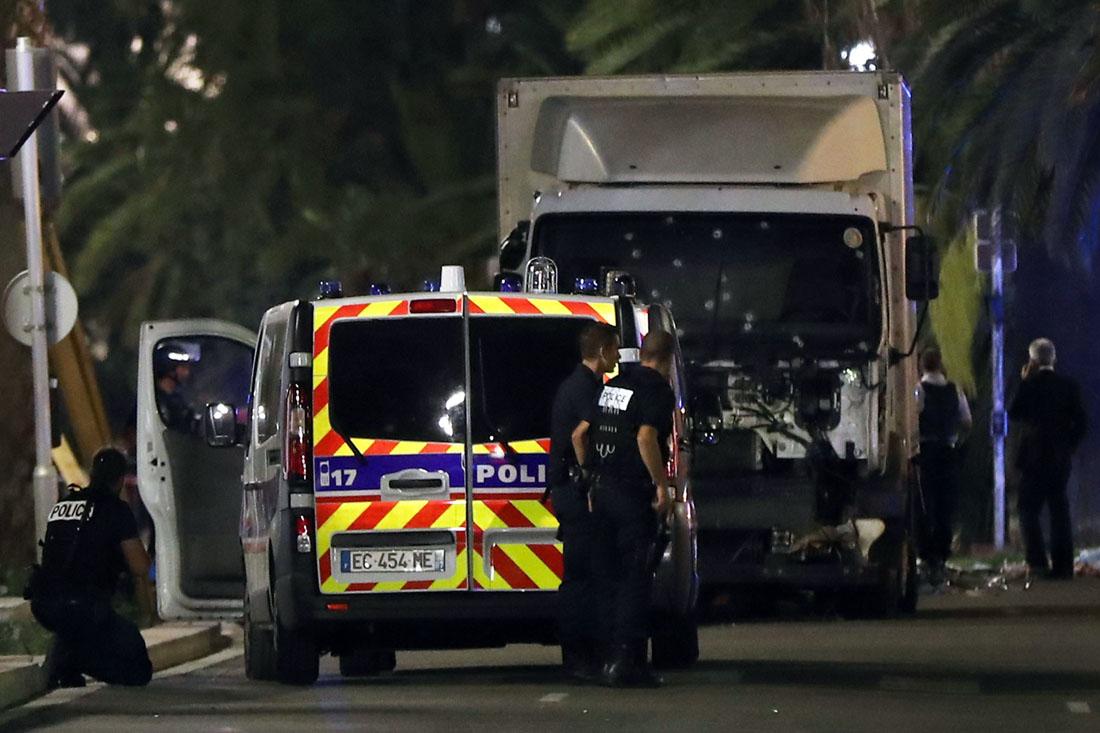 Теракт в Ницце, фото и рассказы очевидцев.
