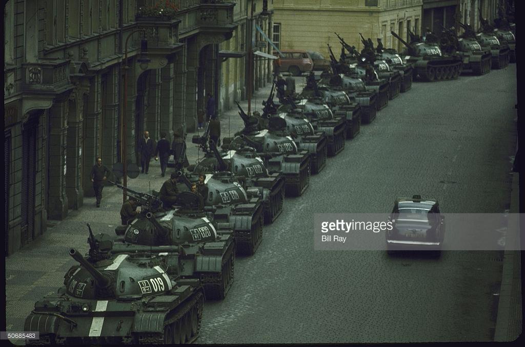 Советские войска в Чехословакии, как это было (фото).